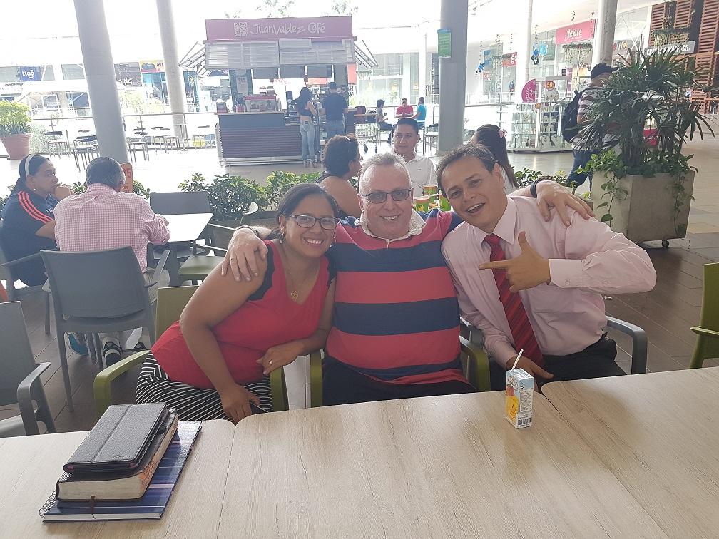 Hernan & Aida Gonzalez, such wonderful friends....pastors of Nuevo Nacer (New Birth) church, Simon Bolivar...